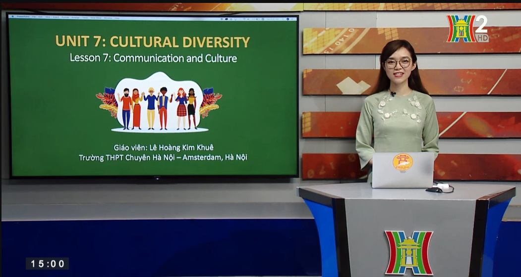 Tải sách: Unit 7: Cultural Diversity (Lesson 7 : Communication and Culture) – Tiếng Anh 10